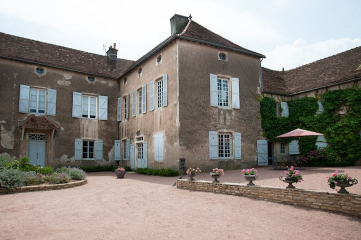 Amazing house in Southern Burgundy