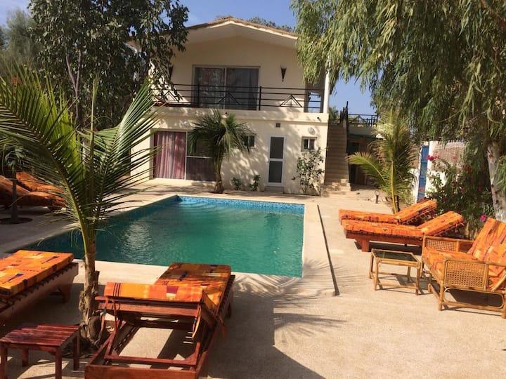 Villa climatisée avec piscine -5 Chambres- Warang