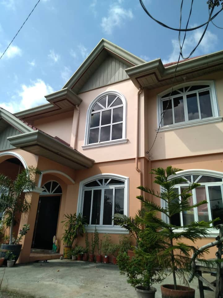 Spacious Room With Mountain View In La Union