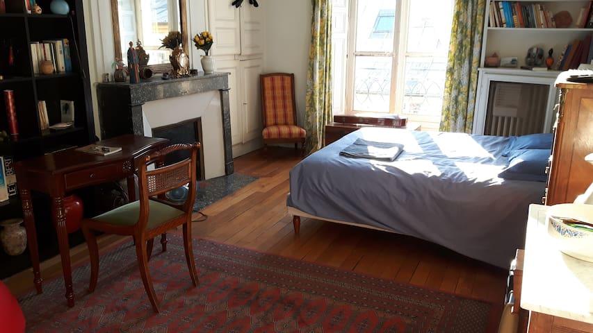 Chambres avec petit dejeuner près du château