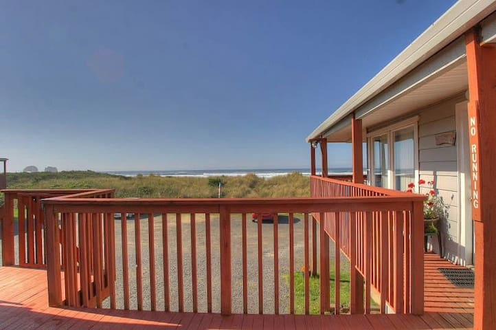 Tranquility With Amazing Views - Rockaway Beach - Apartment