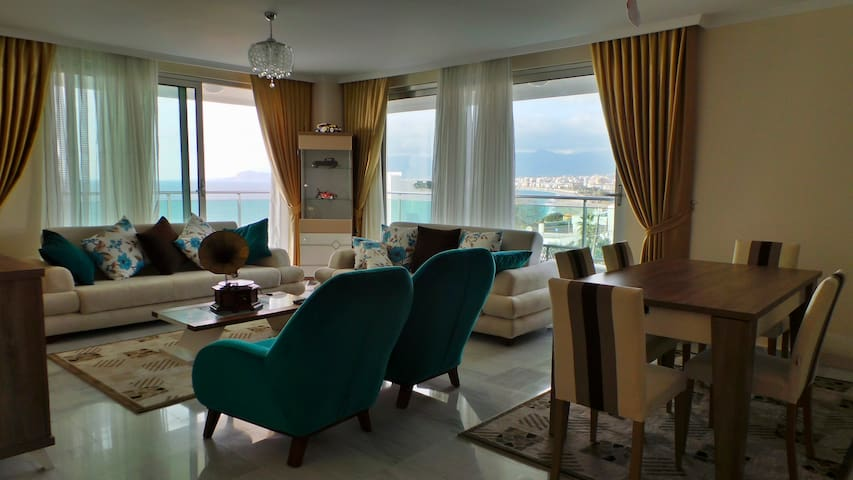 2+1 with a mountain and sea view - Alanya - Daire