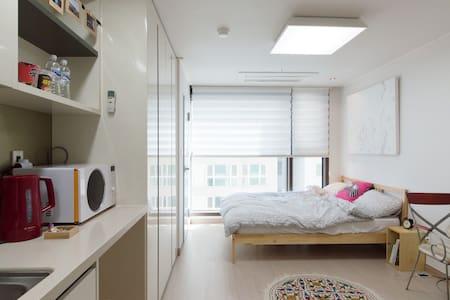 CRAN clean&cozy brand new studio - 대한민국 부산광역시 - Wohnung