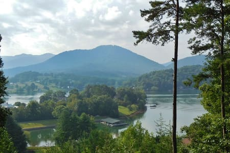 #186 NC MOUNTAIN/LAKE 2 BDRM - Hayesville - Guesthouse