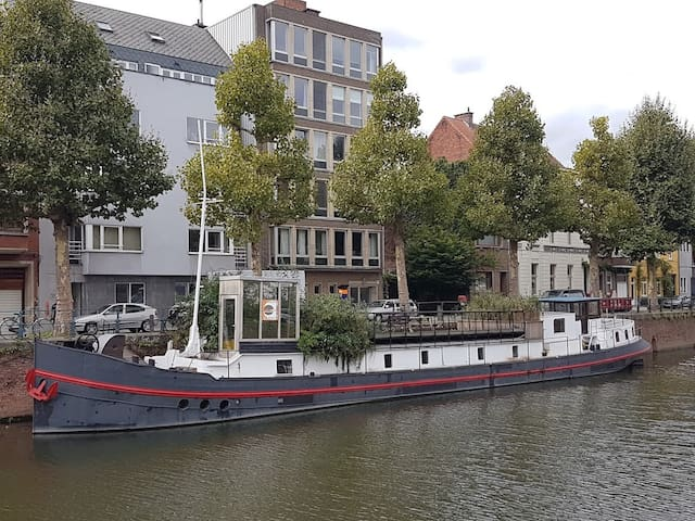 Charmante woonboot in centrum Gent (4 - 6 p.)