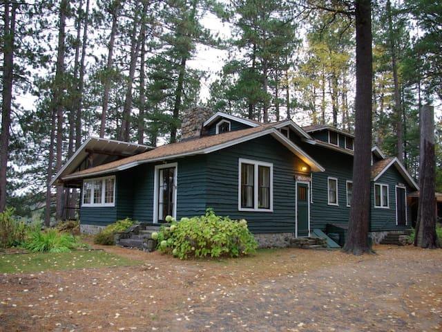 Mrs'. C0OLIDGE'S  CABIN -White Pine Camp