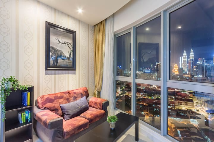 (C) Individual room with KLCC view & Infinity Pool