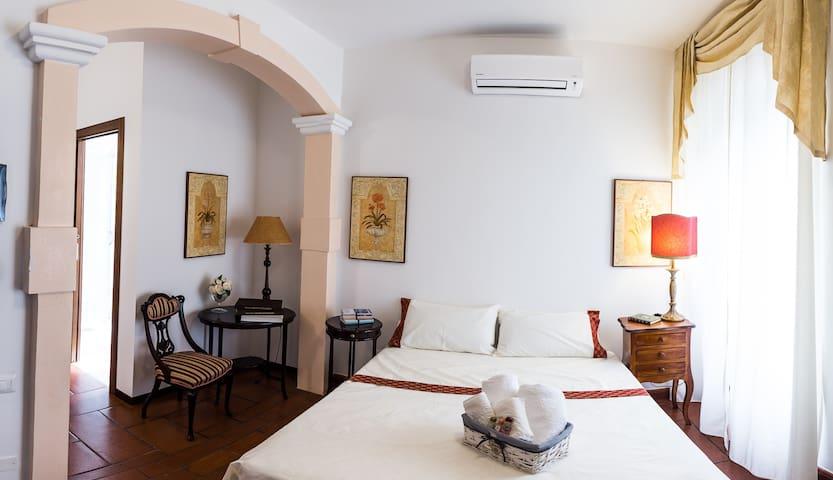 Stylish private room in Villa Vittoria