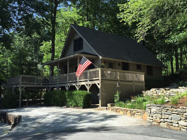 Mountain Lake House Chalet - Lake Toxaway - Chalet