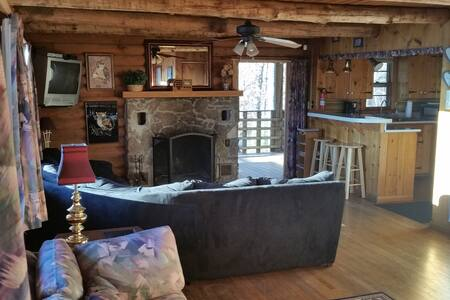 The Roost - Byrdstown - Cabin