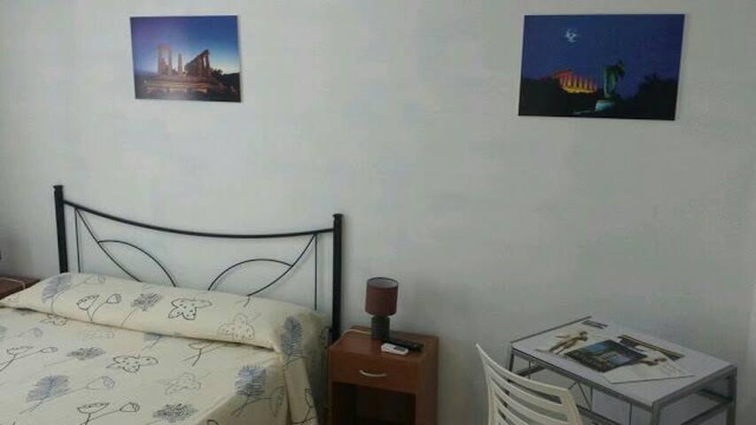Valle dei tempi camere Agrigento - Agrigento/ San Leone /Le Dune - Bed & Breakfast
