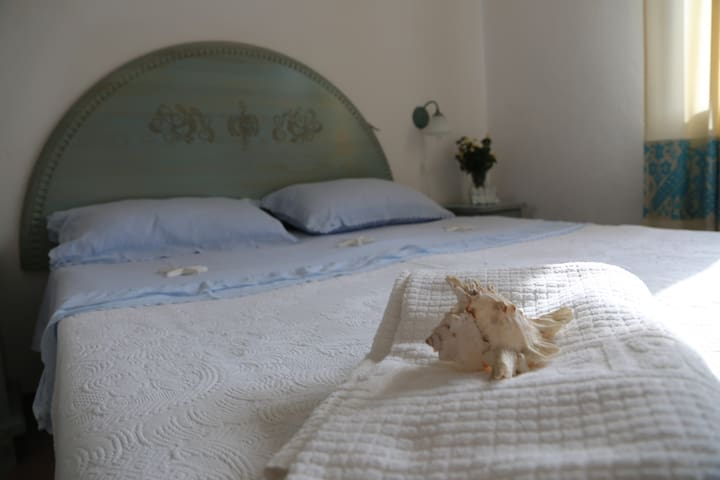 BILOCALE 4 POSTI LETTO VISTA MARE - Olbia - Apartamento