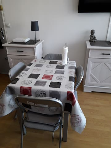 Appartement F2 Cabourg 4 personnes +WIFI+parking - Cabourg - Huoneisto