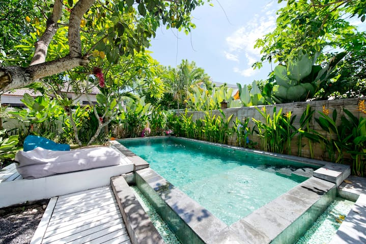 1 - ROOMS 4 RENT/ SHARED VILLA FAST WIFI - CANGGU