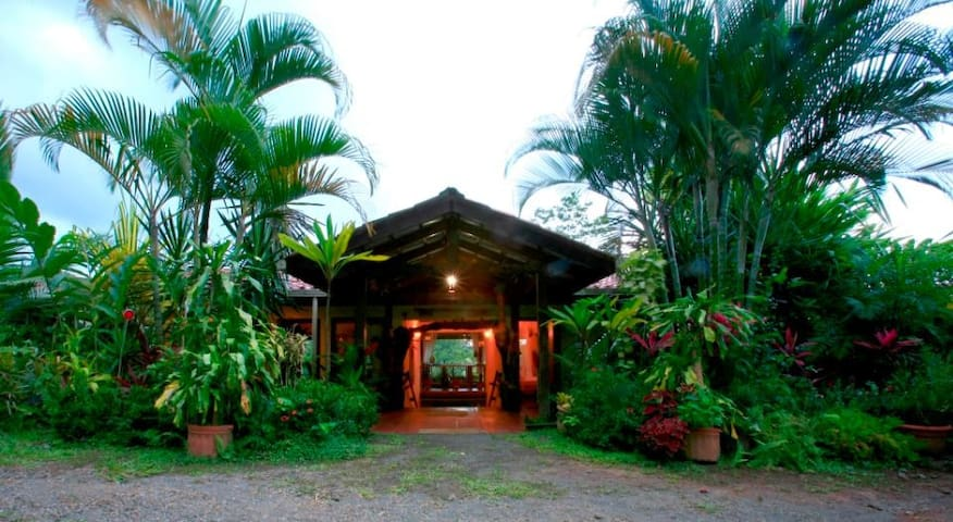 Magical Tropical Fantasy - Room 1 - La Fortuna - Hus