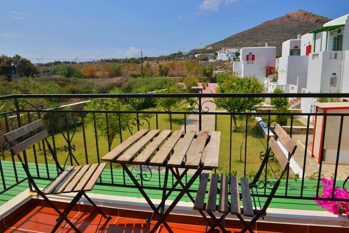 2-Bedroom House, Garden View