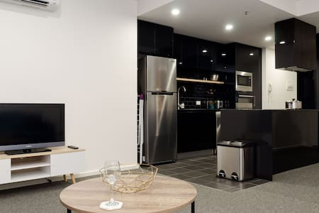 New, Modern 1 Bedroom Apartment - Belconnen - Apartamento