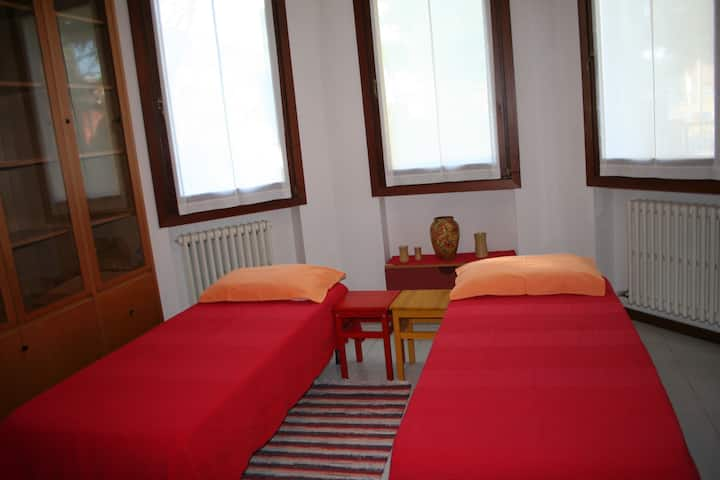 room-studio in villa