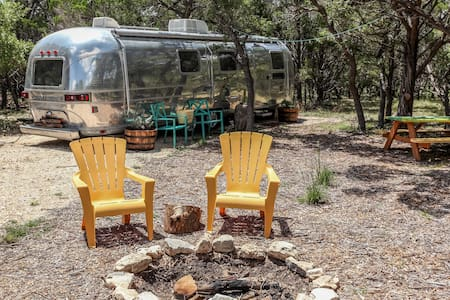 Happy Camper at Jacobs well - Wimberley - Wohnwagen/Wohnmobil