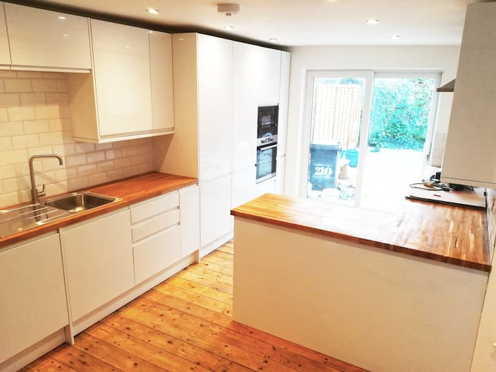 Large refurbished house close to central London