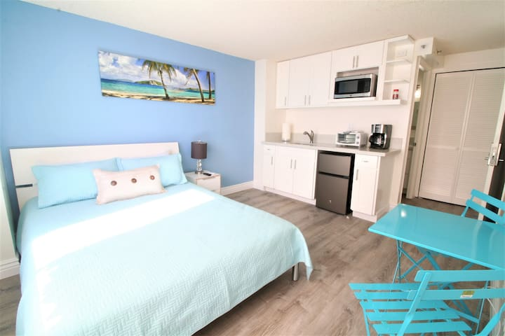 Cute Ocean View Studio