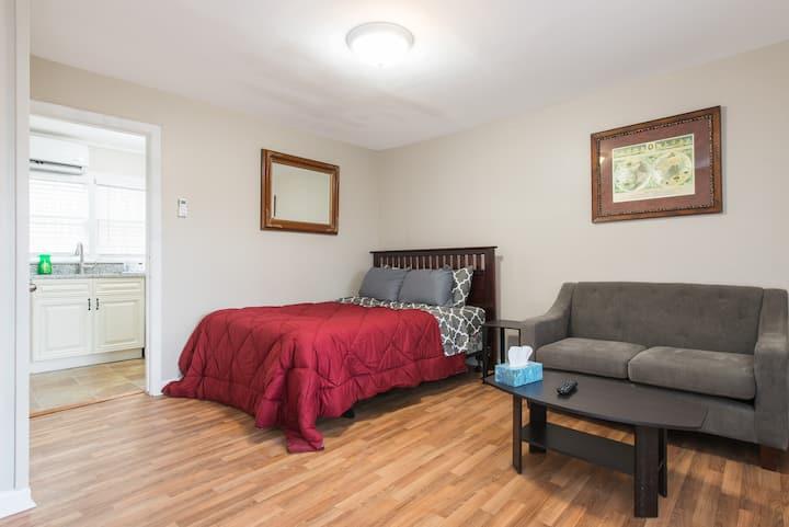 Excellent Virginia Highland Apartment!