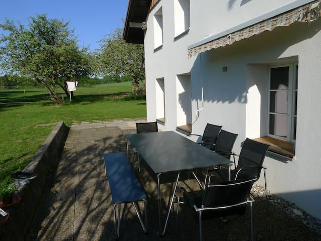Idyllisch gelegenes Haus im Jura - Saignelégier - House