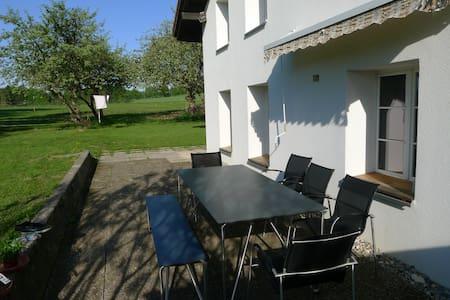 Idyllisch gelegenes Haus im Jura - Saignelégier