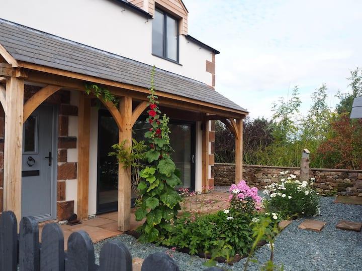 Hoglet Cottage, Hot Tub, Dalston, Carlisle, Lakes
