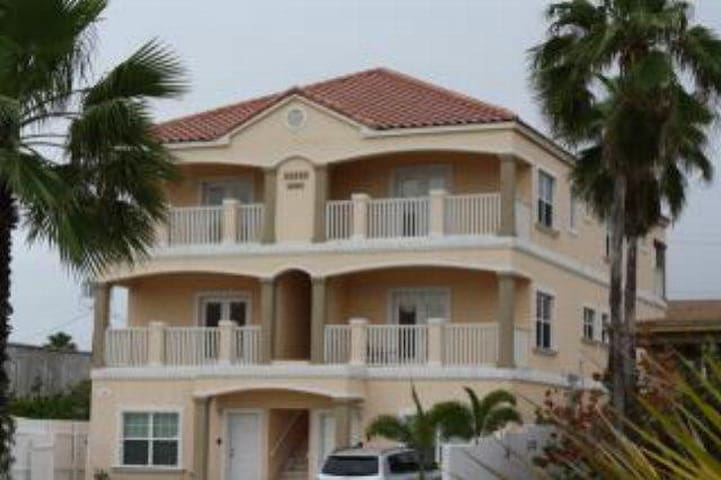 #4 Lovely 3 Bed/3.5 Bath Condo! - South Padre Island