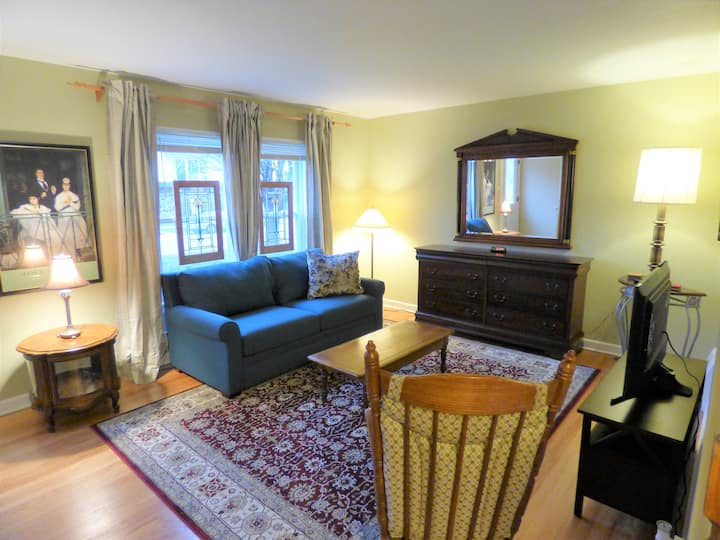 Forest Park Entire Townhouse All Amenities
