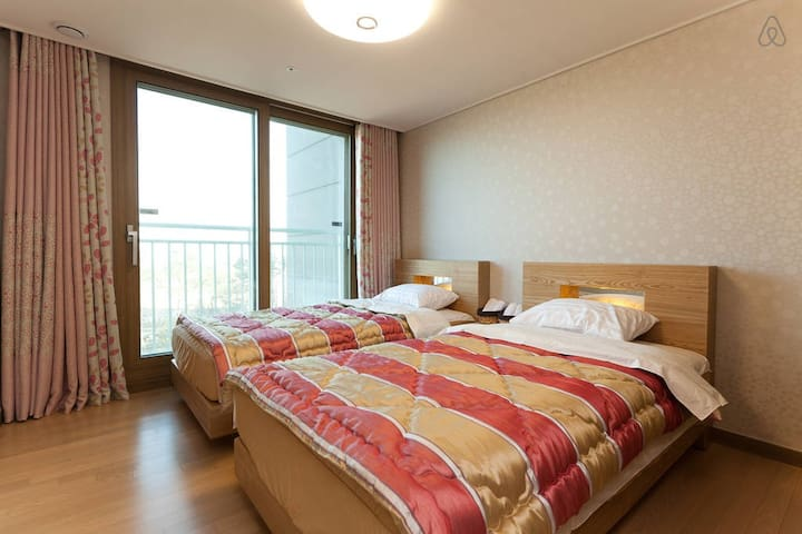 Good Space Room(Twin-2 Single Beds) - Jung-gu - Bed & Breakfast
