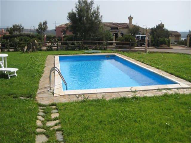 Appartamento con piscina condivisa - Stintino - Apartemen