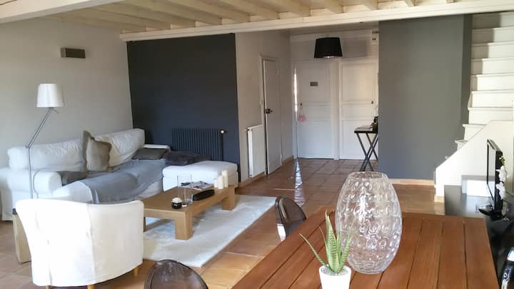 Large 2 room +mezzanine in heart of the old town