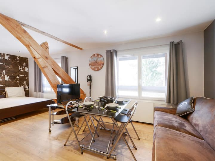 Charming studio with parking in Sevrier, along Annecy Lake - Welkeys