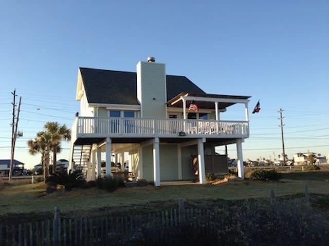 Relaxing Beachfront Escape in Sea Isle! - Galveston - Ev