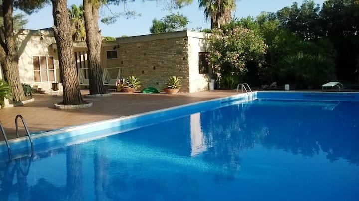 Grande villa con piscina privata