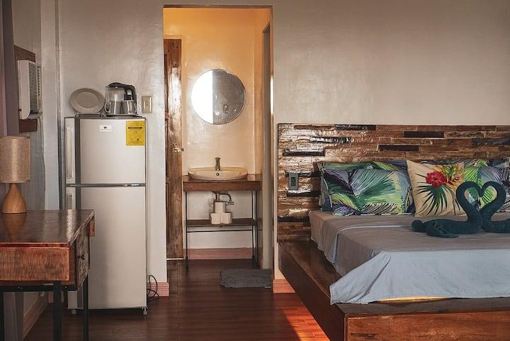 YAMA Beachfront Apartments -  Deluxe Room #1
