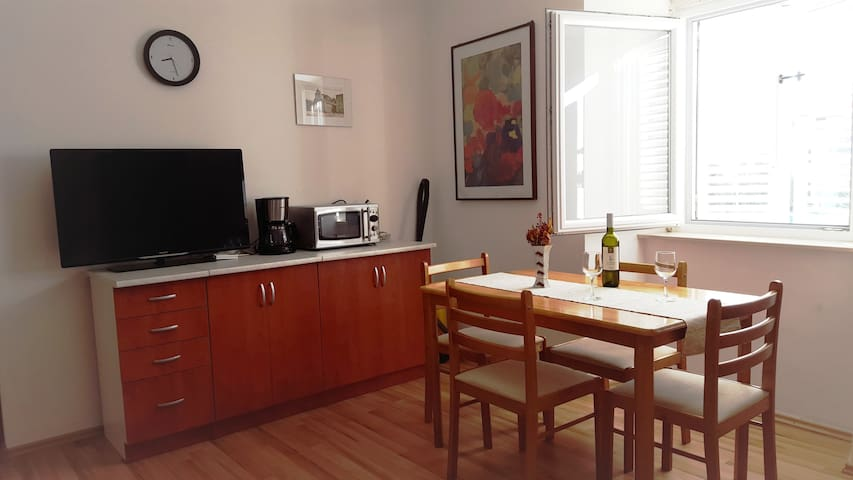 Two bedroom apartment, CENTRAL SQUARE, PAG - 30€