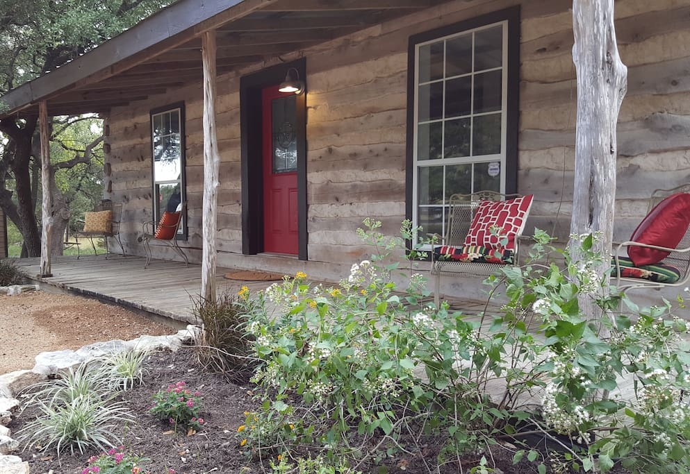 Dripping springs log cabin camp cuddleup cabins for for Austin cabin rentals
