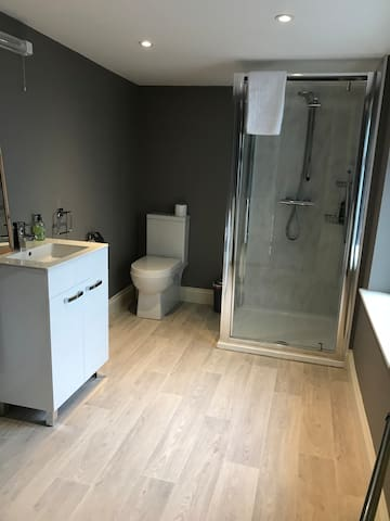 New bathroom installed in January 2018 for your exclusive use when you book 'Comfortable Double Bedroom'