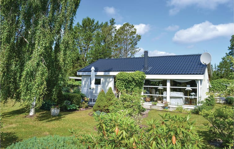 Holiday cottage with 2 bedrooms on 63m² in Jerup