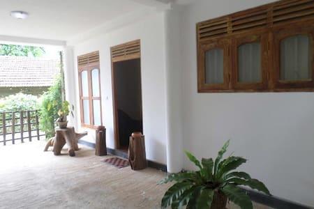 Perl Villa - Baddegama
