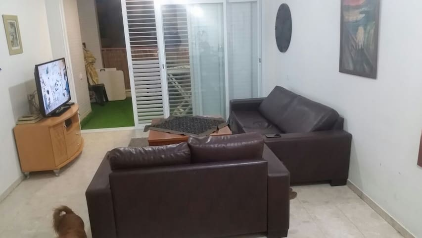 Entire apartment minutes away from Tel Aviv - Petah Tikva