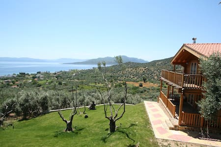 THE OLIVE CHALET - Aidipsos - Talo