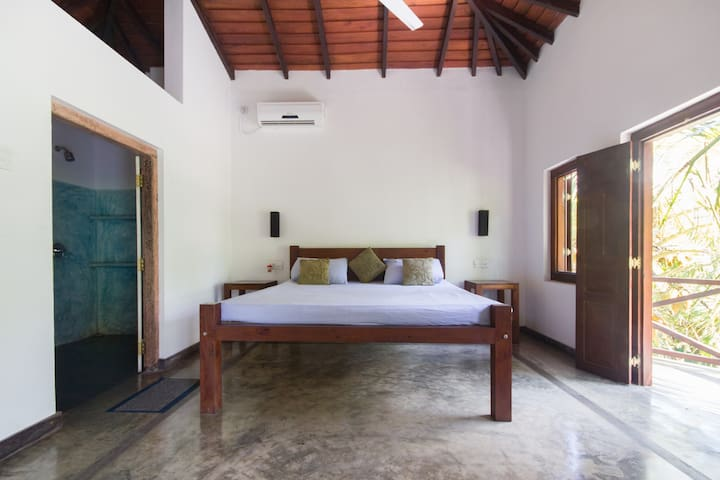 Room Across from Wijaya Beach