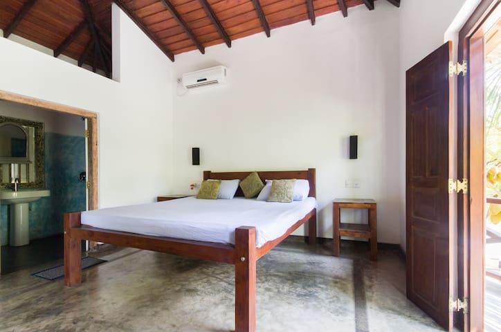 Room Across from Wijaya Beach