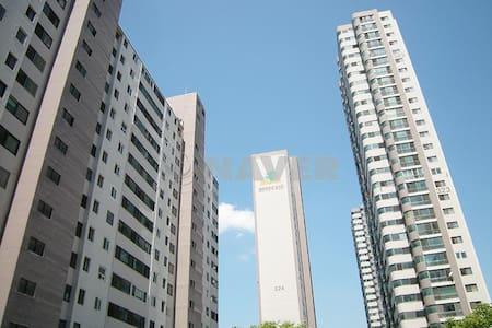 분당 서현역(Bundang Seohyun subway station) 도보 1분 아파트 - Seongnam-si