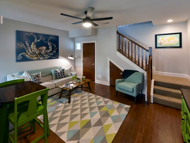 Under the Sea Loft (urban condo) - Columbus - Condo