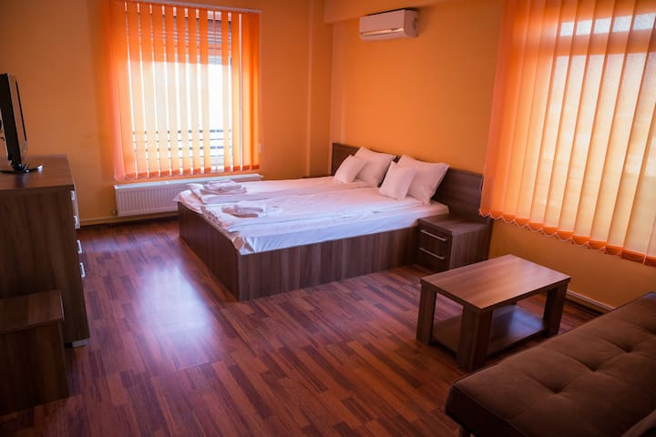 Grand'Or Business Apartment - Oradea - Apartemen